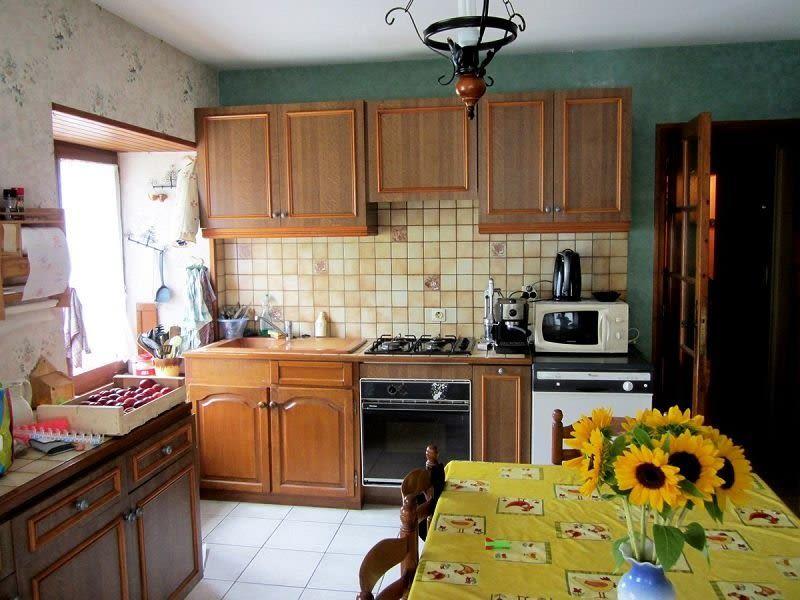 Sale house / villa Presailles 59700€ - Picture 4