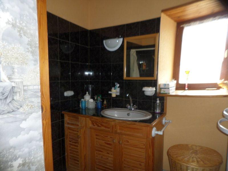 Sale house / villa Presailles 59700€ - Picture 14