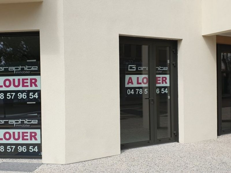 Location local commercial Craponne 650€ HC - Photo 1