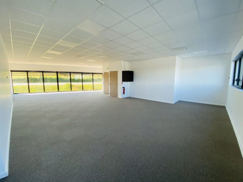 Rental empty room/storage Ste consorce 2 600€ HC - Picture 3