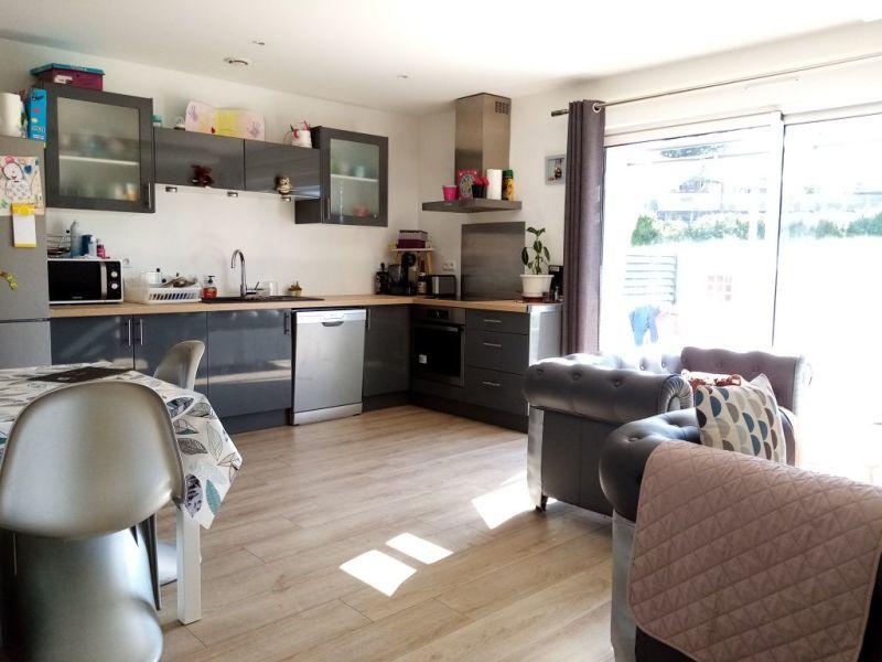 Sale apartment Pollionnay 257000€ - Picture 2