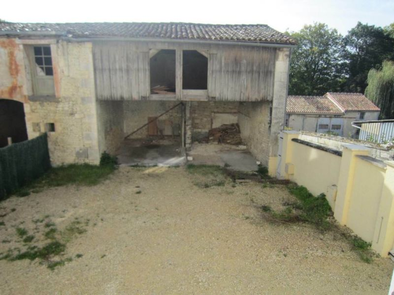 Location maison / villa Lignières-sonneville 523€ CC - Photo 2