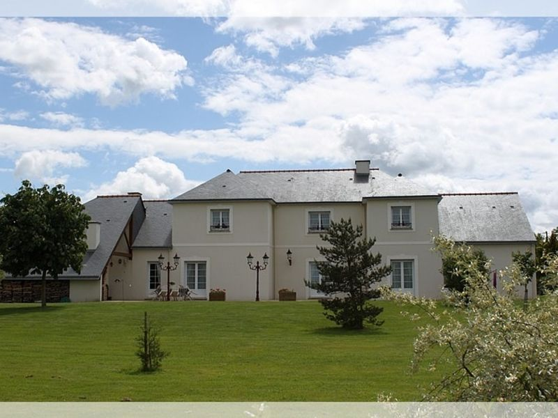 Vente maison / villa Saint herblon 597350€ - Photo 1