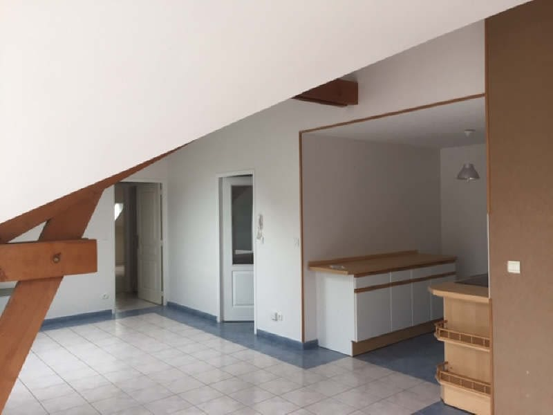 Rental apartment Beaurains 740€ CC - Picture 1
