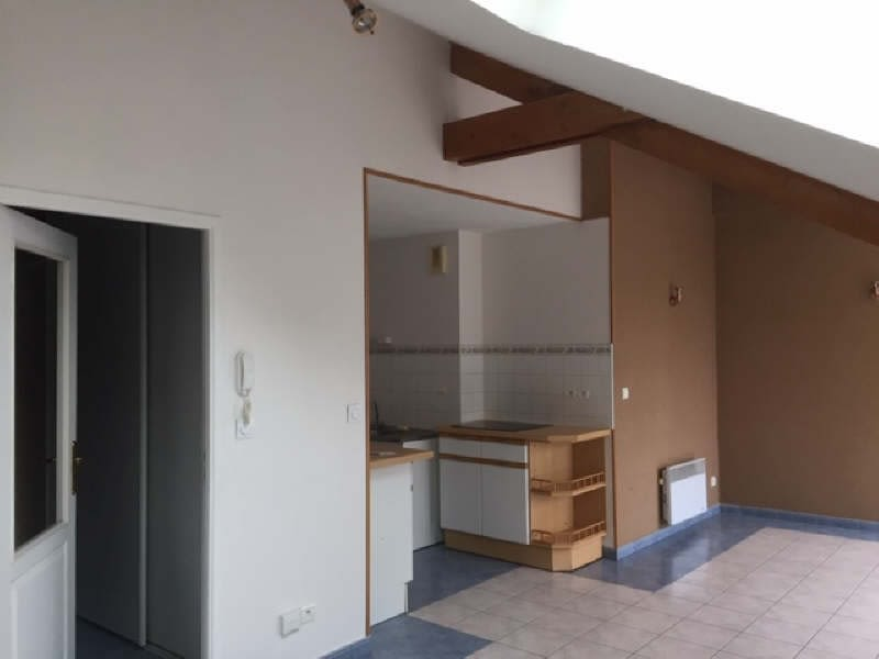 Rental apartment Beaurains 740€ CC - Picture 2