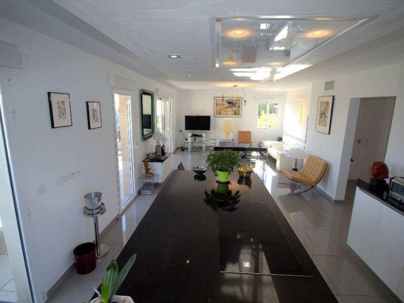 Sale apartment Saint laurent du var 547000€ - Picture 6