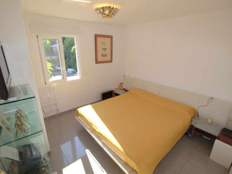 Sale apartment Saint laurent du var 547000€ - Picture 7
