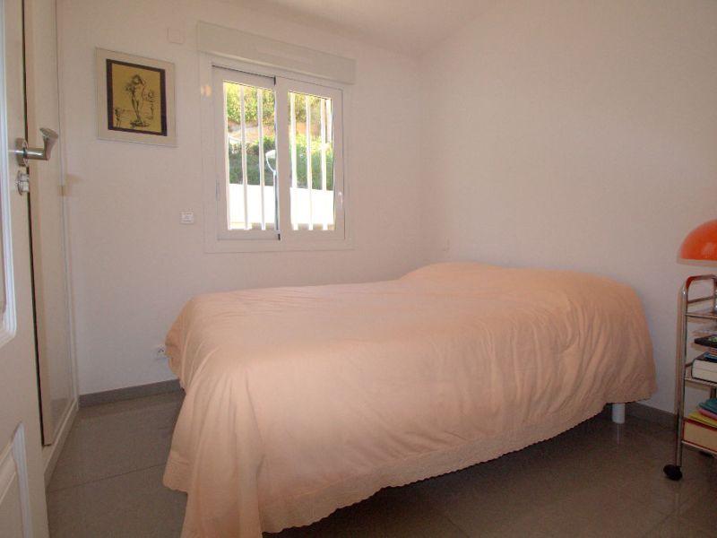 Sale apartment Saint laurent du var 547000€ - Picture 8