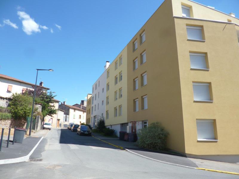 Location parking Tarare 60€ CC - Photo 1