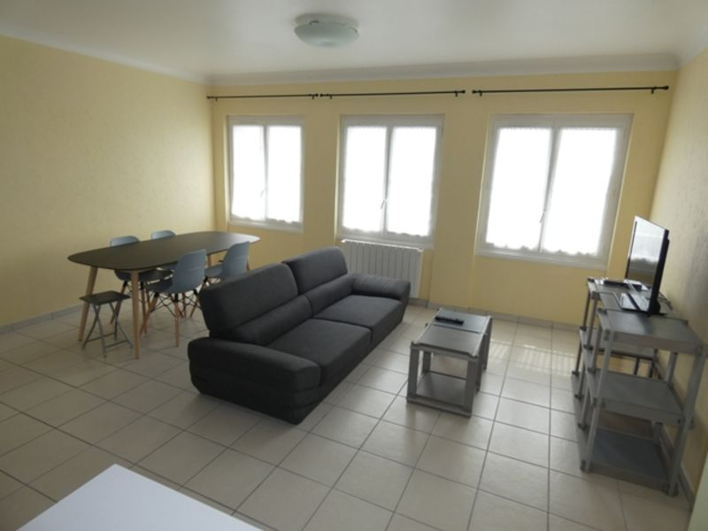 Vacation rental apartment Royan  - Picture 2