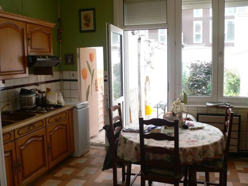Vente maison / villa Lille 160 000€ - Photo 1