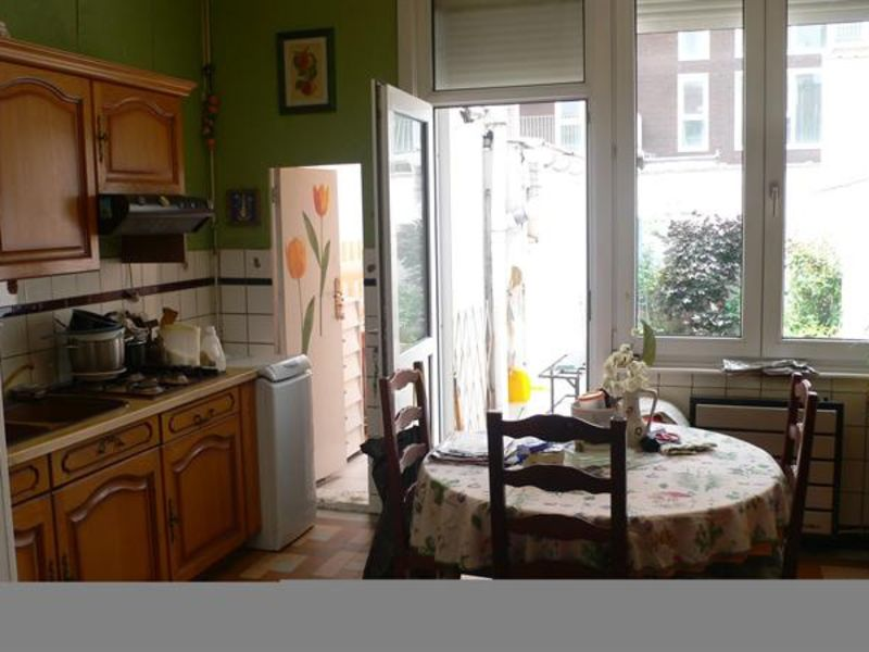Vente maison / villa Lille 160 000€ - Photo 2