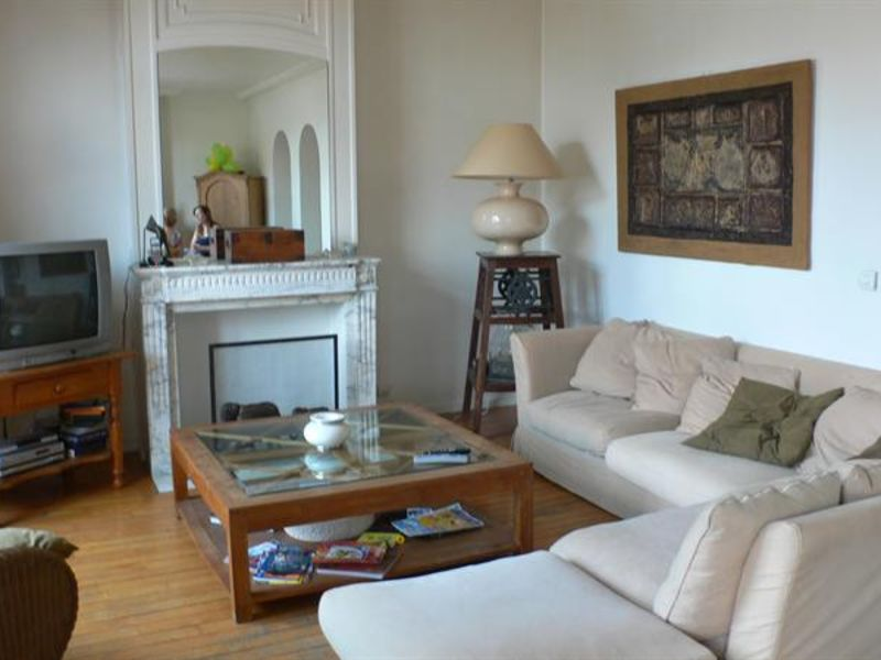 Sale apartment Lille 278 500€ - Picture 2