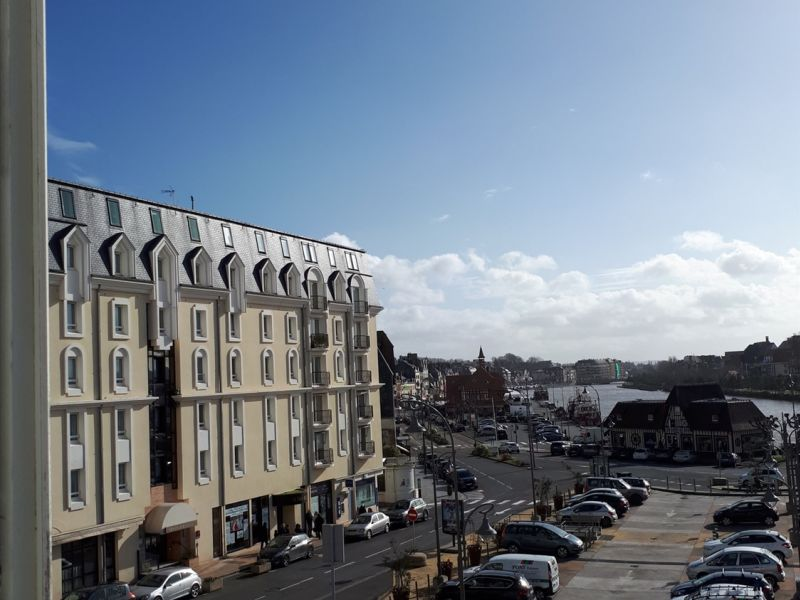 Sale apartment Trouville-sur-mer 254 400€ - Picture 2