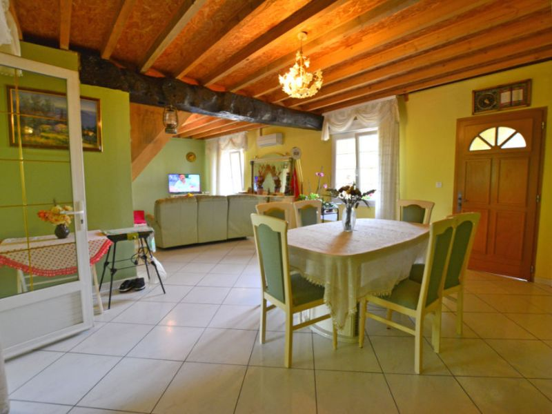 Vente maison / villa La chartre sur le loir 159840€ - Photo 2