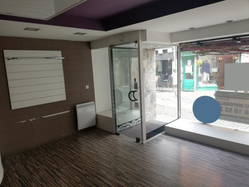 Location local commercial Quimper 1500€ HC - Photo 1