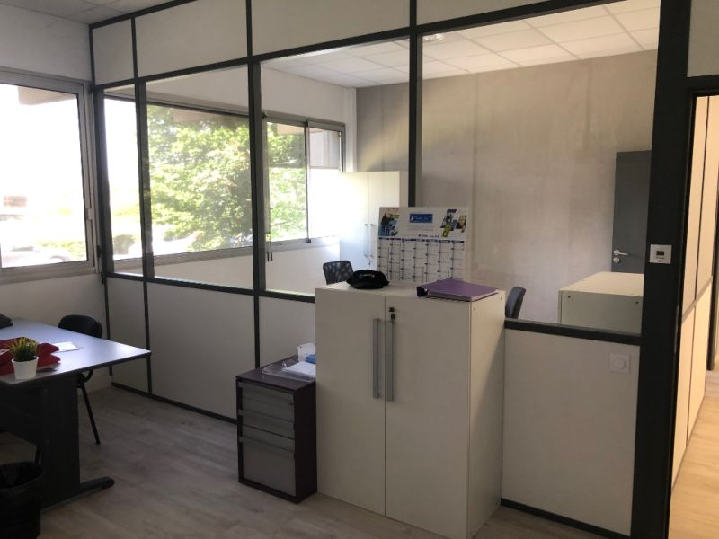 Rental empty room/storage Aix en provence 920€ CC - Picture 10