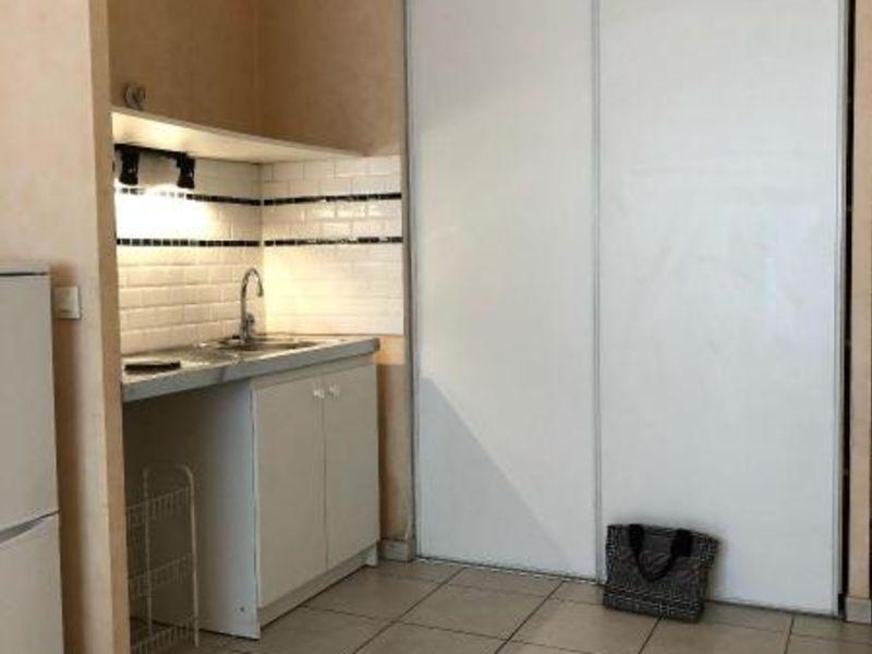 Location appartement Aix en provence 837€ CC - Photo 2