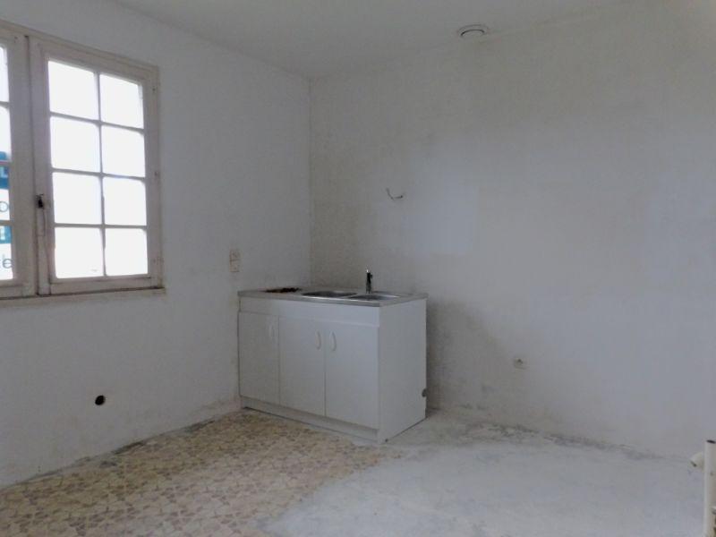 Vente maison / villa Craon 81000€ - Photo 3