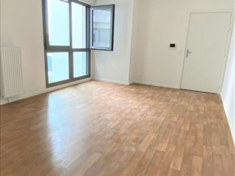 Rental apartment La plaine st denis 1 285€ CC - Picture 6