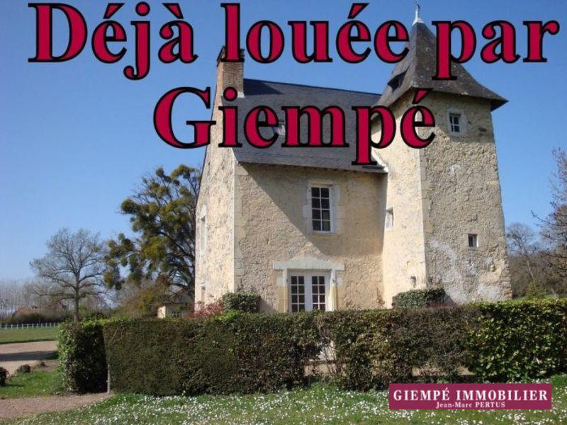 Rental house / villa Bazouges-sur-le-loir 550€ CC - Picture 1