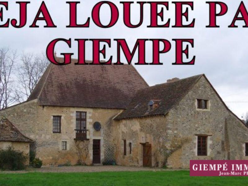 Location maison / villa Bazouges-sur-le-loir 900€ CC - Photo 1