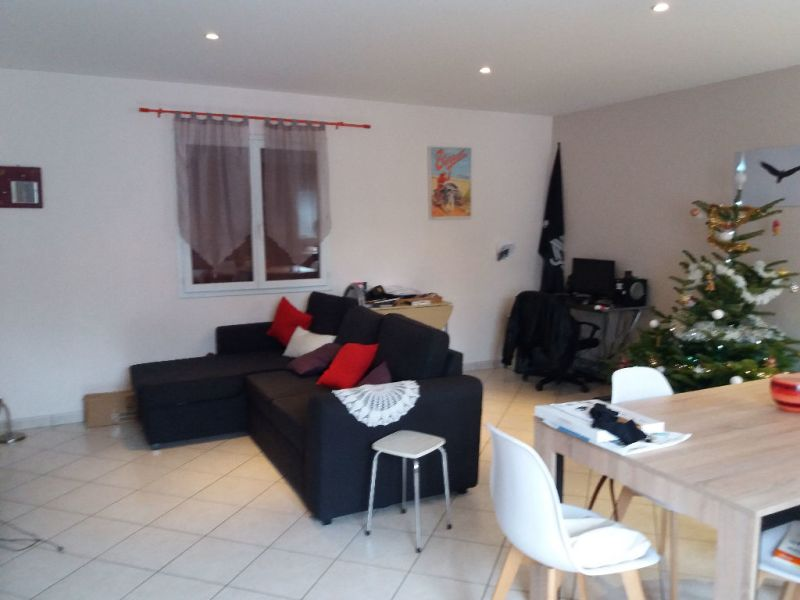 Location appartement Sardieu 620€ CC - Photo 2