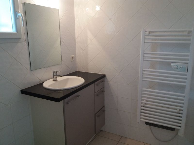 Location appartement Sardieu 620€ CC - Photo 4