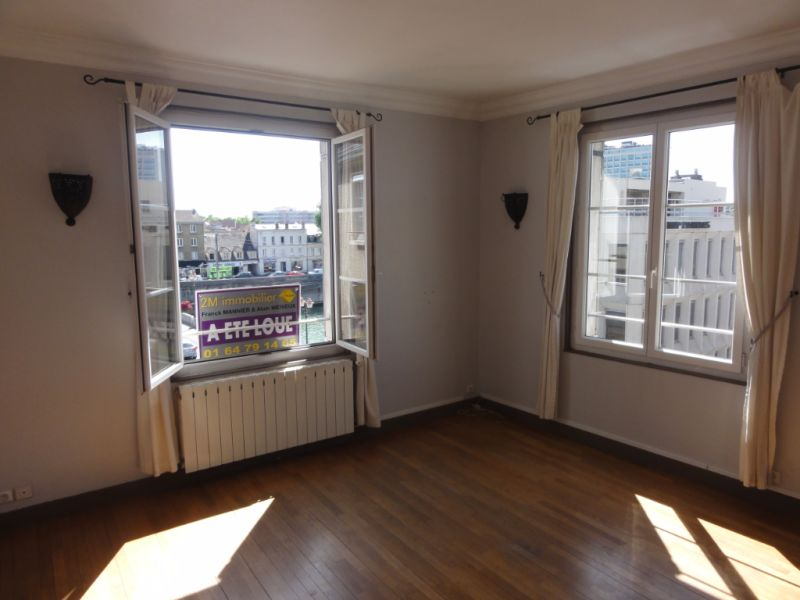 Location appartement Melun 816€ CC - Photo 1