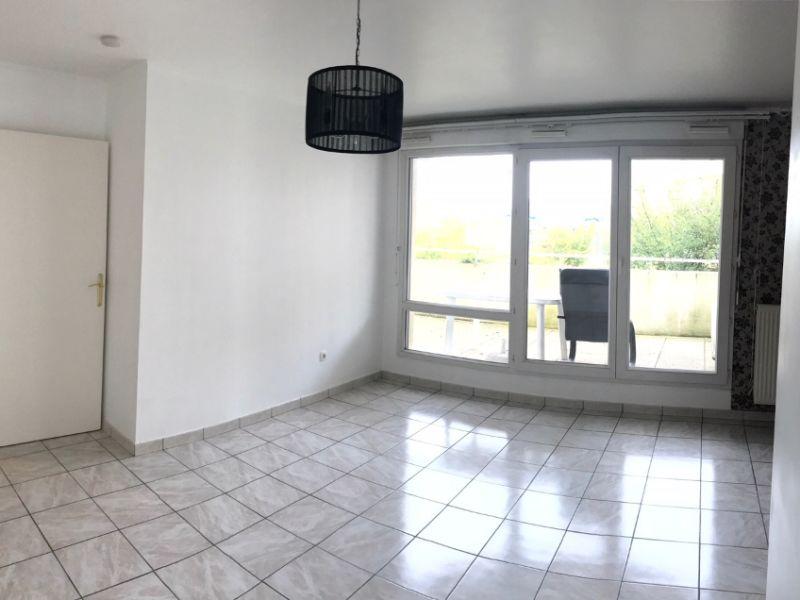 Location appartement Melun 724€ CC - Photo 1
