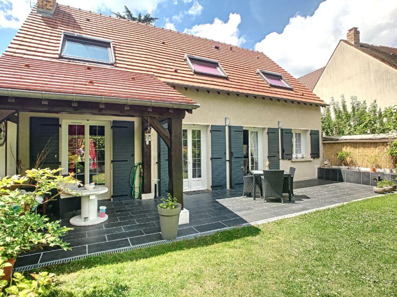 Sale house / villa Le mee sur seine 380000€ - Picture 5
