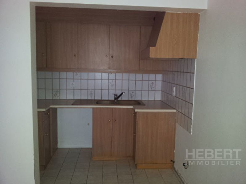 Rental apartment Sallanches 743€ CC - Picture 2