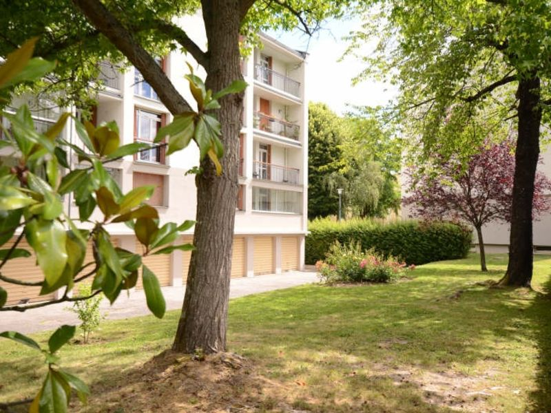 Revenda apartamento Bois d arcy 294000€ - Fotografia 1