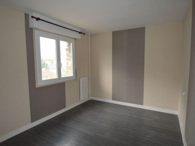 Sale apartment Petit couronne 77000€ - Picture 4