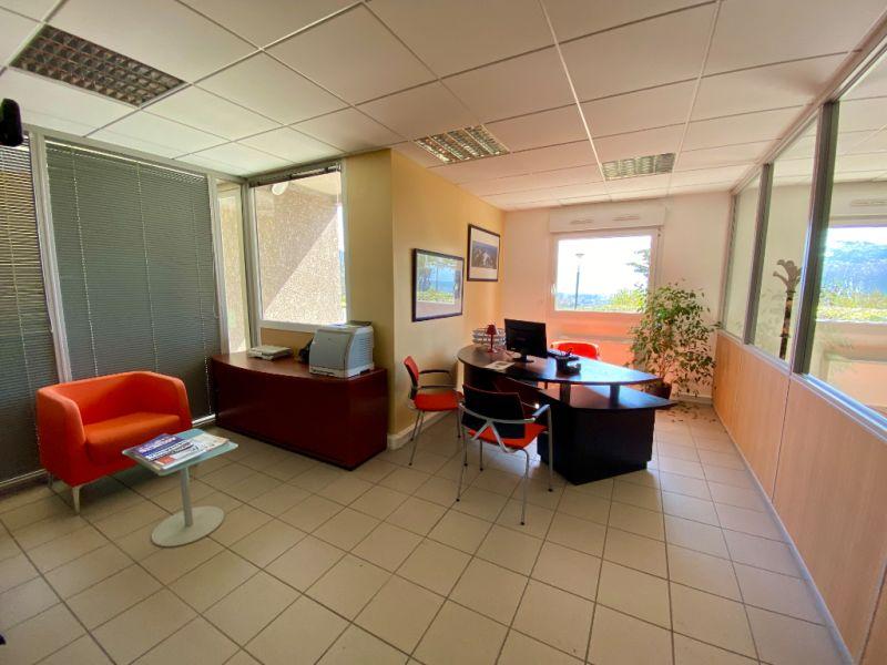 Location bureau La murette 155,60€ CC - Photo 3