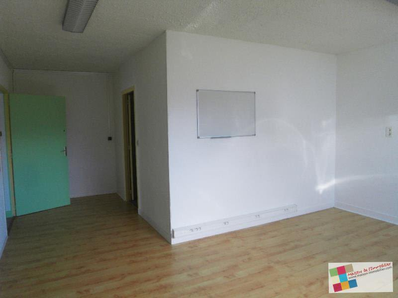 Location local commercial Chateaubernard 590€ HC - Photo 6