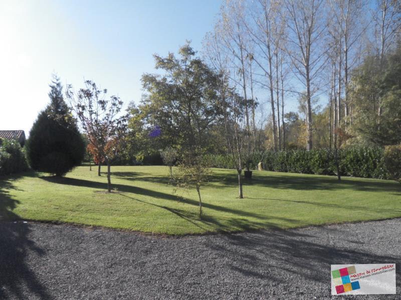 Sale house / villa St fort sur le ne 288900€ - Picture 2