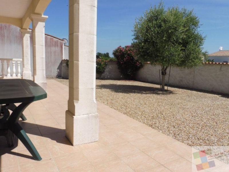 Sale house / villa Meschers sur gironde 403200€ - Picture 2