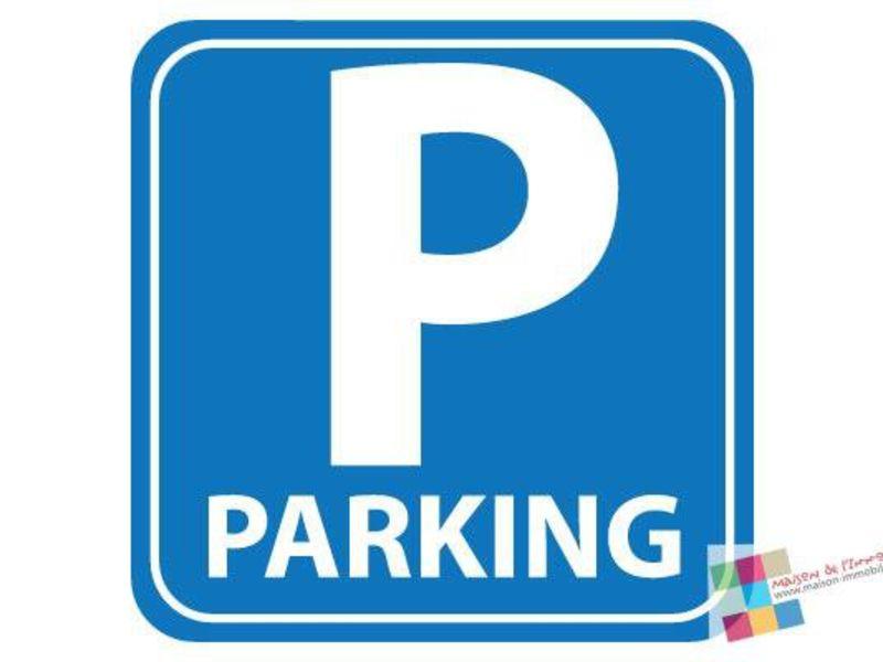 Rental parking spaces Cognac 35€ CC - Picture 1