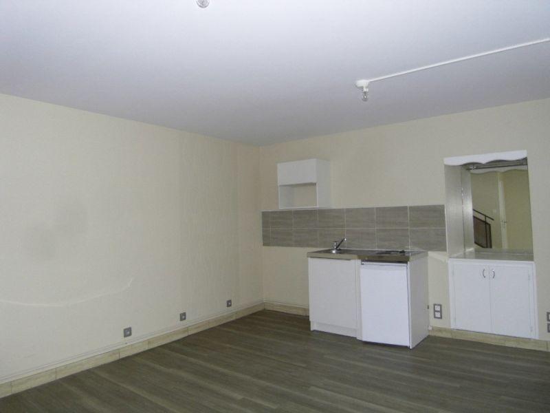 Rental house / villa Segonzac 406€ CC - Picture 3