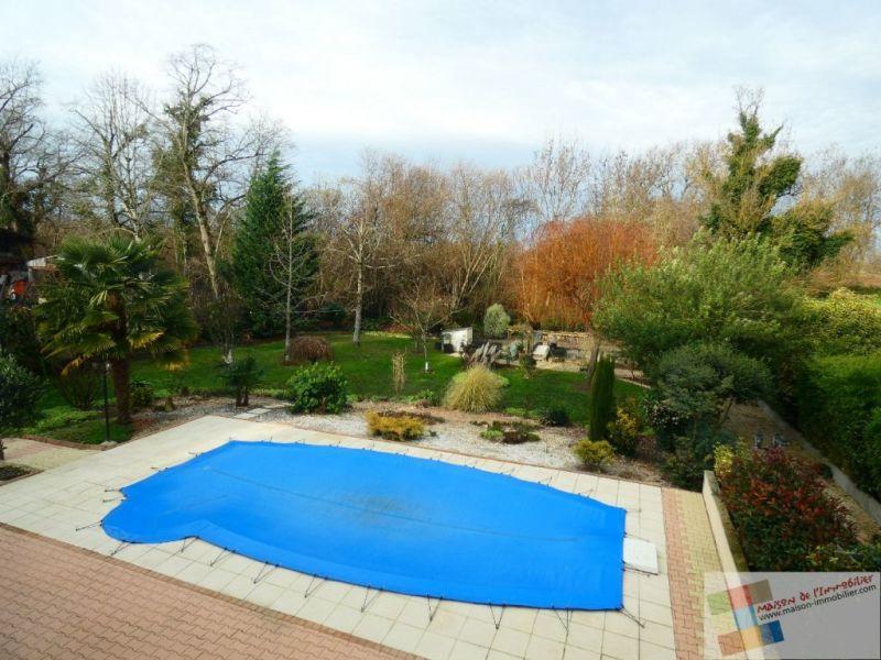 Sale house / villa St meme les carrieres 304950€ - Picture 3