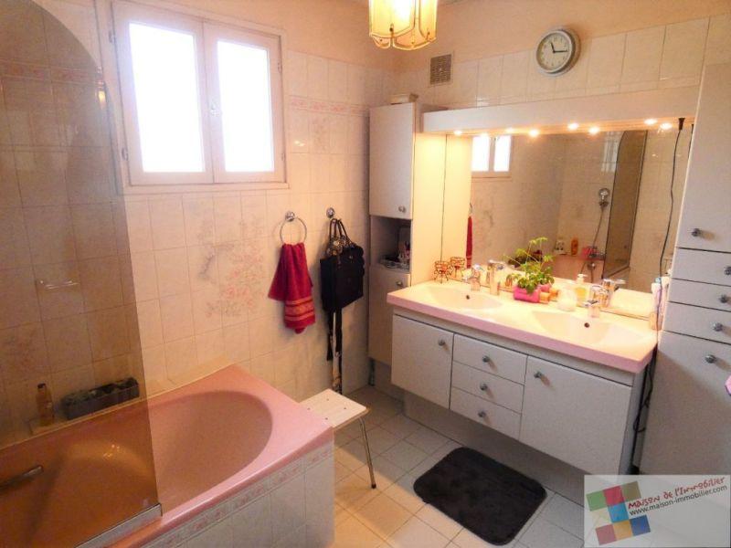 Sale house / villa St meme les carrieres 304950€ - Picture 9