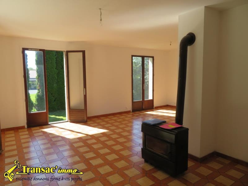 Sale house / villa Puy guillaume 165 075€ - Picture 3