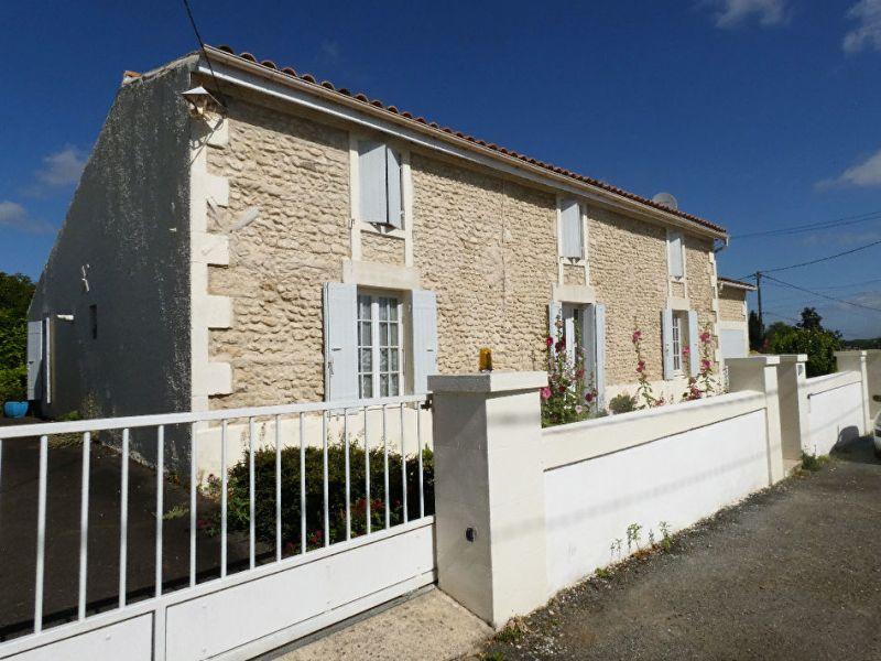 Sale house / villa Breuillet 470000€ - Picture 1