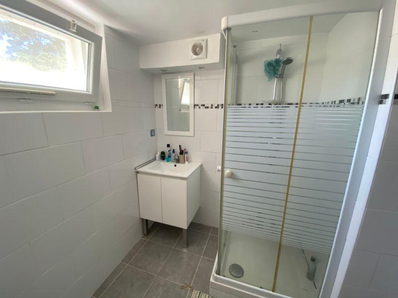 Rental apartment Les milles 910€ CC - Picture 6