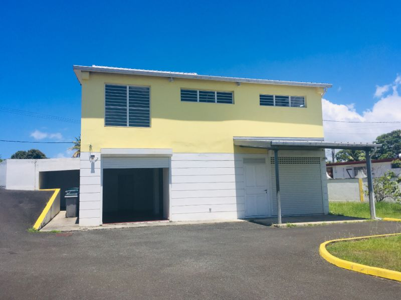 Location local commercial Petit canal 1291€ HC - Photo 4