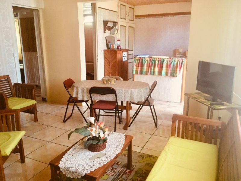 Location appartement Le moule 660€ CC - Photo 2