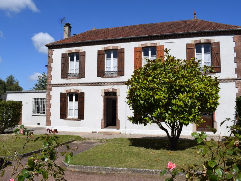 Sale house / villa La villeneuve en chevrie 239 000€ - Picture 2