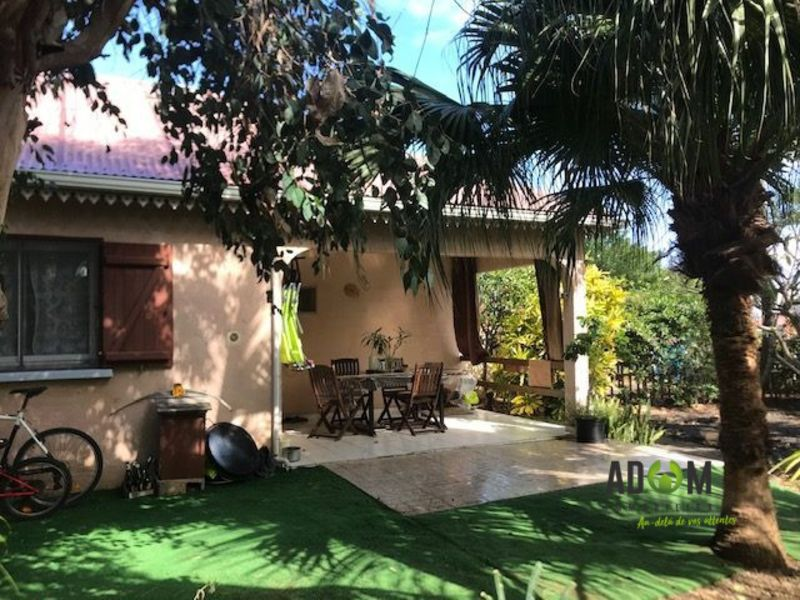 Sale house / villa Saint-louis 575 000€ - Picture 1