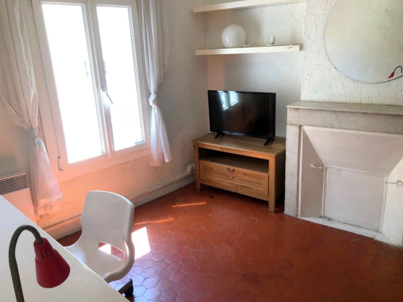 Rental apartment Aix en provence 750€ CC - Picture 3